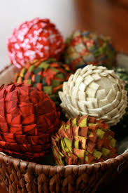 25 festive pinecone craft projects holiday inspired pinecone