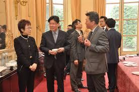 bureau de repr駸entation de taipei en 駐法國代表處舉辦 僑務榮譽職人員聘書致頒茶會 駐法國台北代表處