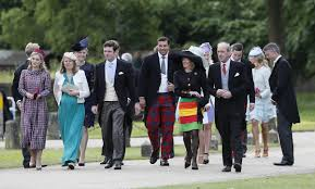 bucklebury middleton house pictures crowds gather in berkshire ahead of pippa middleton u0027s