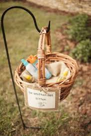 20 Ingenious Tips For Throwing An Outdoor Wedding by 32 Totally Ingenious Ideas For An Outdoor Wedding Insect