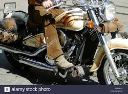 cruiser motorbike boots airbrush boots detail driver harley davidson leather legs