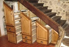 cuisine sous escalier cuisine sous escalier amenagement de cuisine sous escaliers