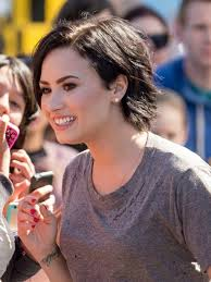 demi lovato u0027s short haircut celebrity beauty ideas glamour