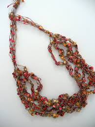Trellis Ribbon Yarn Necklace Pattern