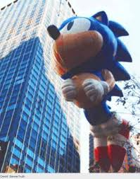 top 10 macy s thanksgiving day parade balloon accidents