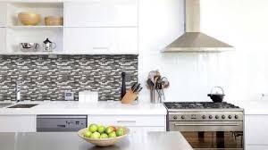 recouvrir faience cuisine recouvrir carrelage cuisine maison design bahbe com