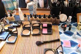 Makeup Artist Station Backse Makeup Station Makeup Daily