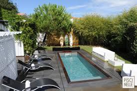 modele de terrasse couverte piscine de petite taille piscine xs mini piscine piscinelle