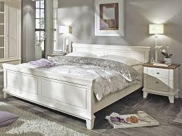 komplettes schlafzimmer gã nstig schlafzimmer set kiefer massiv mit braunen absetzungen