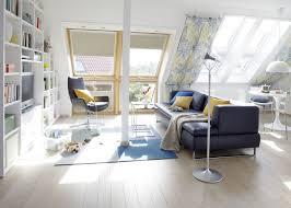 wohnideen in dachgeschoss haus renovierung mit modernem innenarchitektur geräumiges