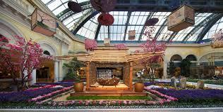 bellagio conservatory u0026 botanical gardens honors japanese culture
