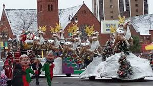 america s thanksgiving day parade detroit santa arrives