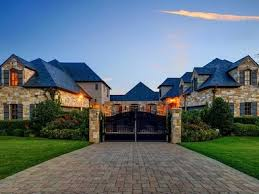 home blue selena gomez is selling her fort worth texas mansion for 2 9