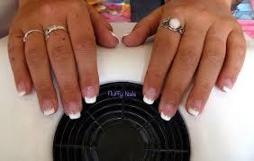 dessin sur ongle en gel fluffy nails pose 24 pose en gel avec capsules french dessinée