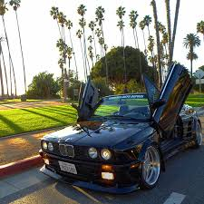 Bmw M3 1989 - this fat bottom 1989 bmw e30 has an e36 m3 engine lambo doors and