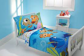 amazon com disney 4 piece toddler bedding set nemo and friends