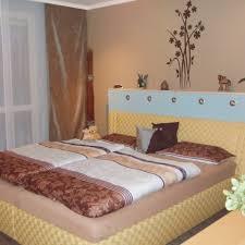 Schlafzimmer Gestalten In Braun Uncategorized Ehrfürchtiges Zimmer Lila Braun Streichen Und