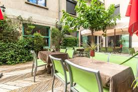 restaurant cuisine traditionnelle restaurant traditionnel avec terrasse et patio cuisine de saison
