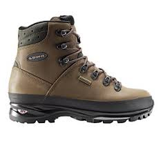 lowa womens boots nz hiking boots buyers guide