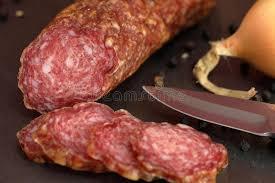 sp cialit allemande cuisine vieux salami de saucisse de spécialité allemande photo stock image