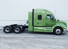 cost of new kenworth truck new kenworth t680 natural gas truck leads kenworth lineup for act