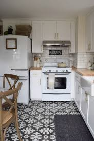 White Small Kitchen Designs Best 25 Small White Kitchens Ideas On Pinterest Small Kitchens