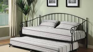 Pottery Barn Iron Bed Daybed Awesome Iron Daybed With Trundle Riveting Pottery Barn