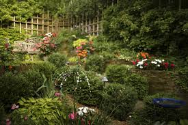 pictures of beautiful gardens with flowers beautiful gardens secret garden grows in unlikely setting in