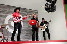 target howell black friday garth brooks target surprise fans with moremusic during the cmas