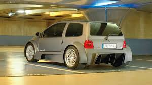 renault clio v6 modified renault twingo v8 trophy is an extreme supermini video