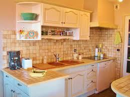 nouveau look pour cette cuisine peinte et patinée la peinture dans