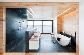 moderne badezimmer mit dusche und badewanne bodengleiche dusche kosten infos rund ums einbauen