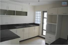 cuisine americaine appartement a vendre appartement f4 cuisine ouverte tamarin maurice ofimtiff