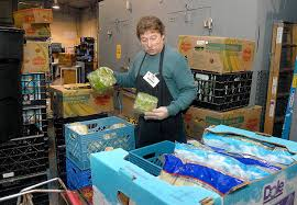 thanksgiving food bank volunteer peninsula food banks work to fill constant need peninsula daily news