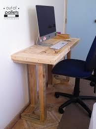 Diy Pallet Wood Distressed Table Computer Desk 101 Pallets 53 best computer hoek images on pinterest shelves bedroom ideas