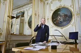 bureau du premier ministre jean marc ayrault un premier ministre sous contraintes
