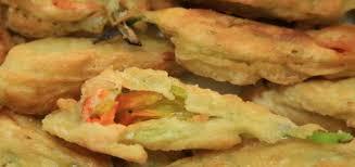 fiori di zucca fritti in pastella fiori di zucca fritti in pastella ricetta tradizionale croccanti