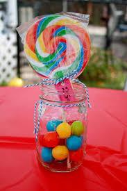 Candy Themed Centerpieces by Best 25 Sucker Centerpiece Ideas On Pinterest Candy Theme