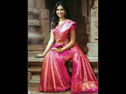 How To Drape A Gujarati Style Saree 9 Silk Saree Pallu Drape Styles To Try At Varamahalakshmi Pooja