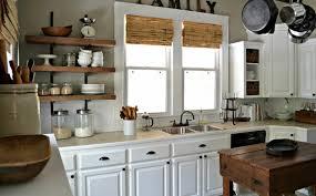 cuisine avec etagere idée décoration cuisine avec rangements ouverts