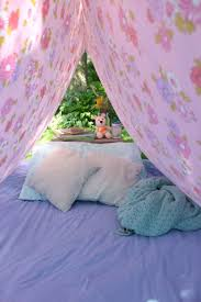 simple backyard bed sheet tent play cbc parents
