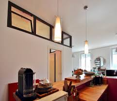 cuisine au milieu de la chambre au milieu du salon verriere cuisine bar agence avous