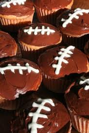 football cupcakes 10 awesome ways to decorate football cupcakes score big at your