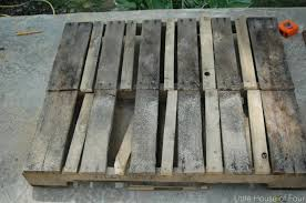 pallets how to make a workbench out of pallets little house of four