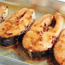 cuisiner du saumon au four darne de saumon laquée au sirop d érable metro