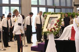 pm lee explains why japanese pm abe paid his last respects to s r