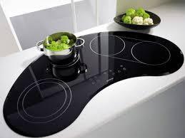 cuisine avec plaque de cuisson en angle bien choisir sa table de cuisson