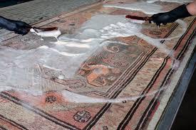 come lavare i tappeti persiani la differenza tra pulizia tappeto e lavaggio tappeto