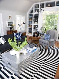 Modern Stripe Rug Modern Black And White Stripe Rug In The Living Room Of Great