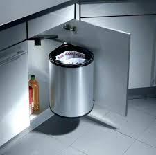 poubelle cuisine pivotante poubelle cuisine inox free poubelle de cuisine inox poubelle